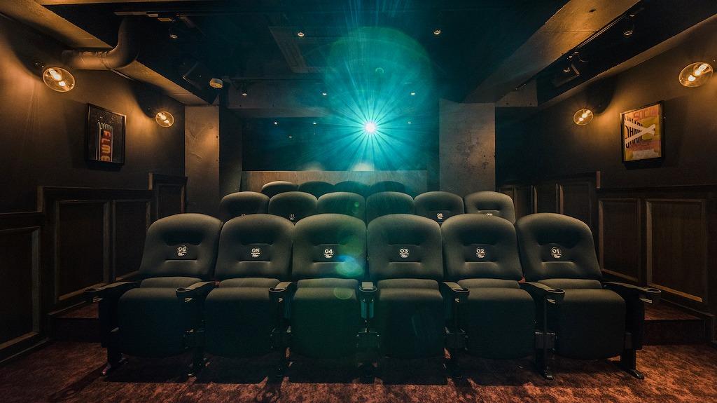 シェアハウス 映画館